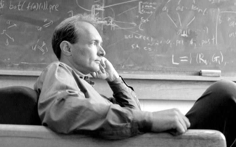 Tim Berners-Lee'nin başarı hikayesini merak ediyor musunuz?